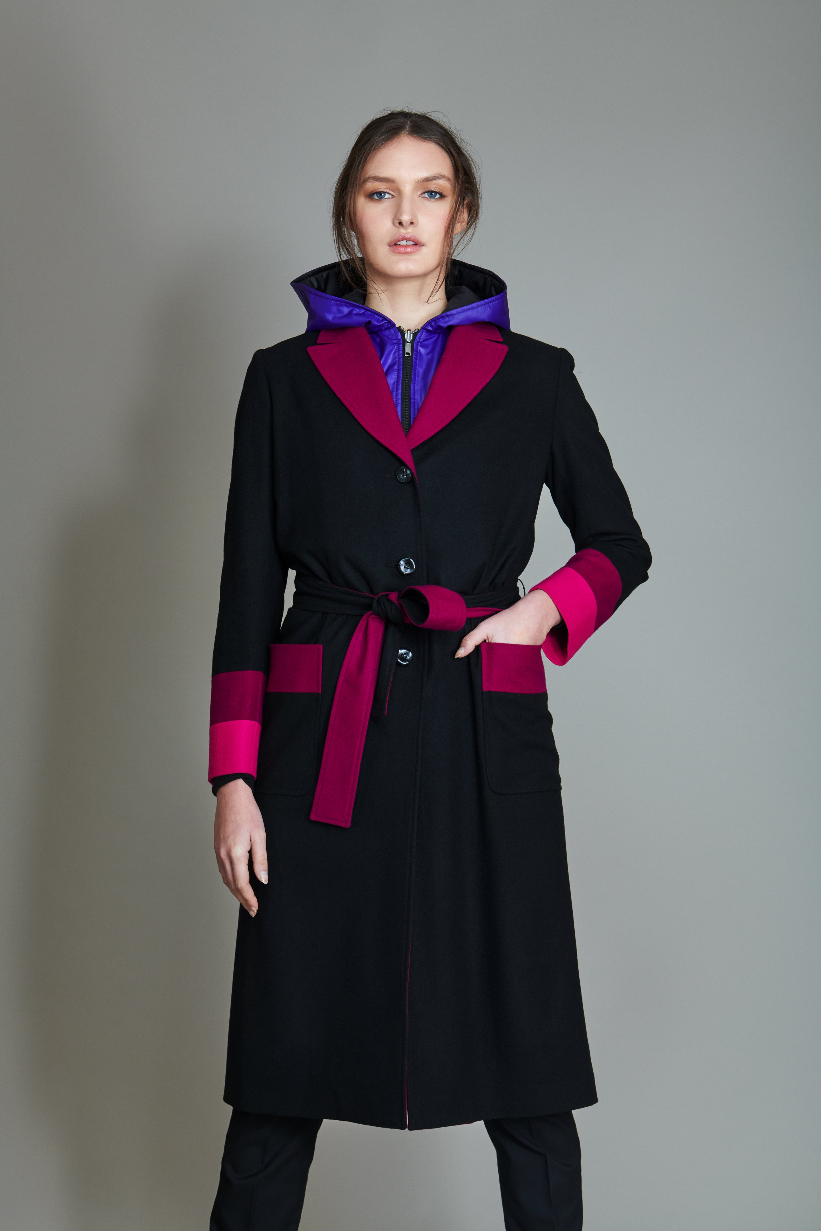 Boxer coat in 100% extra-fine merino wool with striped intarsia.