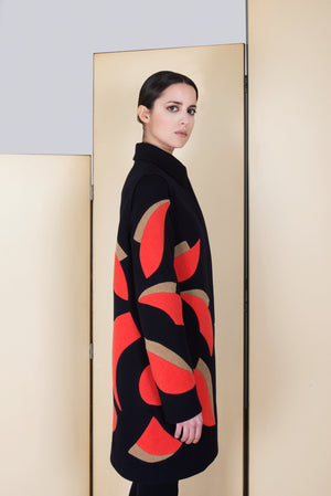 Coat in 100% extra-fine merino wool and with Flower intarsia.