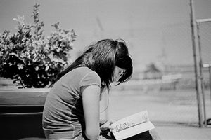 [ #NewYorkBetchesMobileCall ] Claudia´s Reading a Book at Rucker Park.