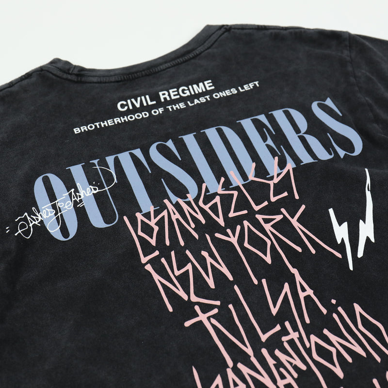 Outsiders (Crop) Tee in Vintage Black