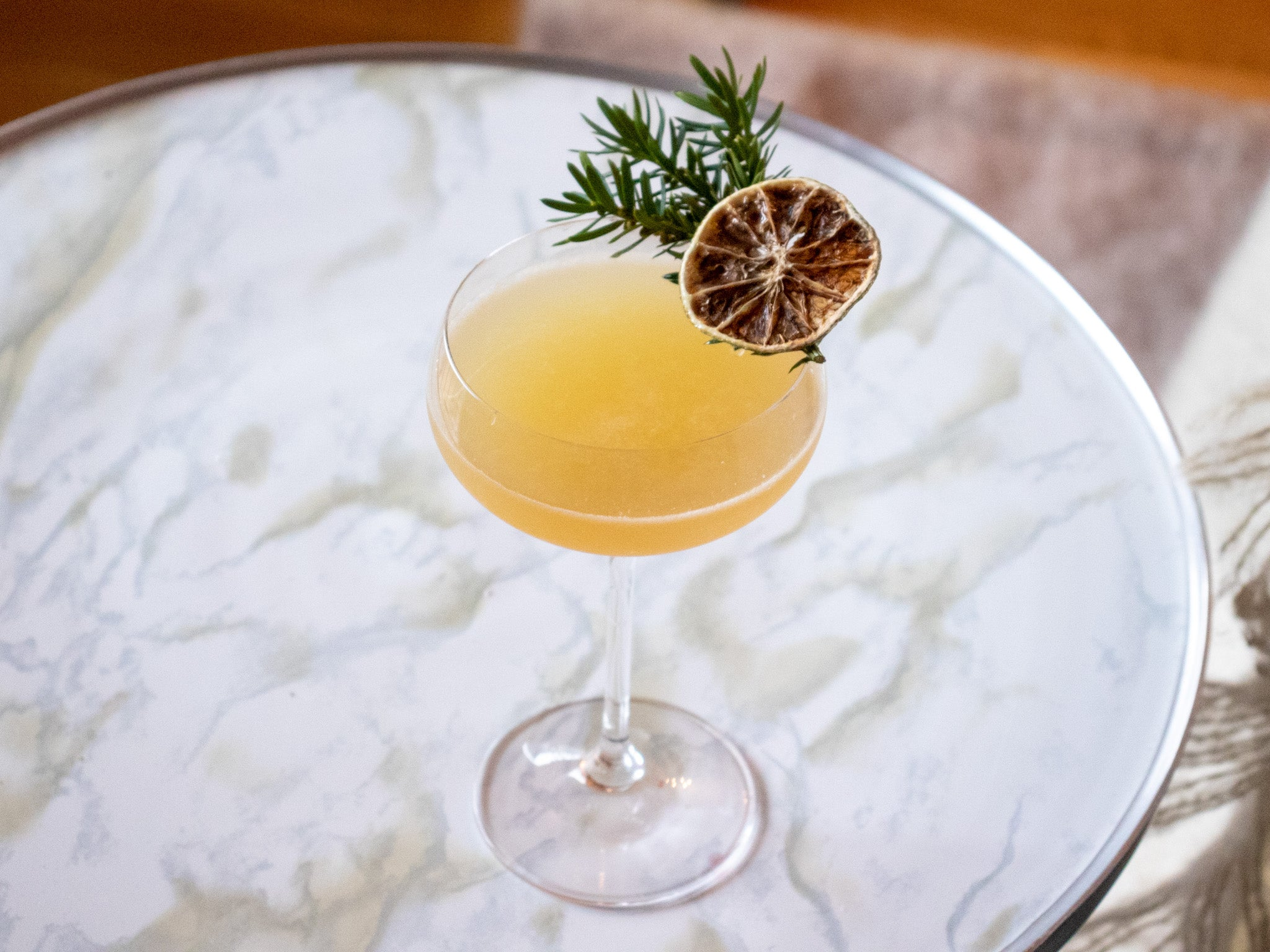 spruce tip and apple gimlet cocktail recipe
