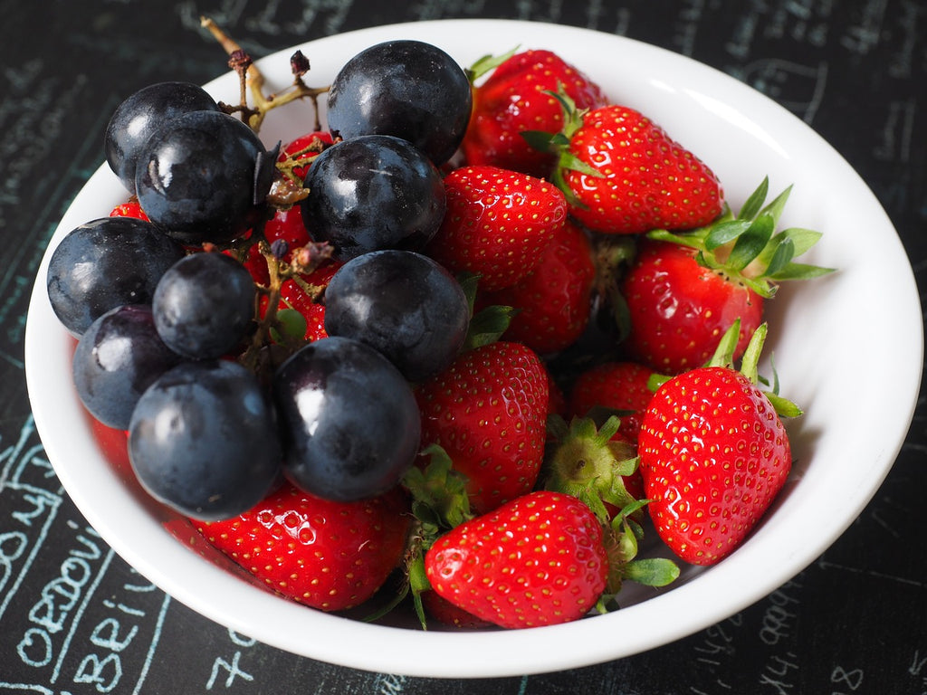Polyphenols in foods and their health benefits.