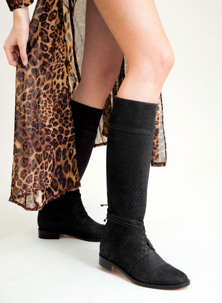 Black colored sustainable boot by ALINASCHUERFELD