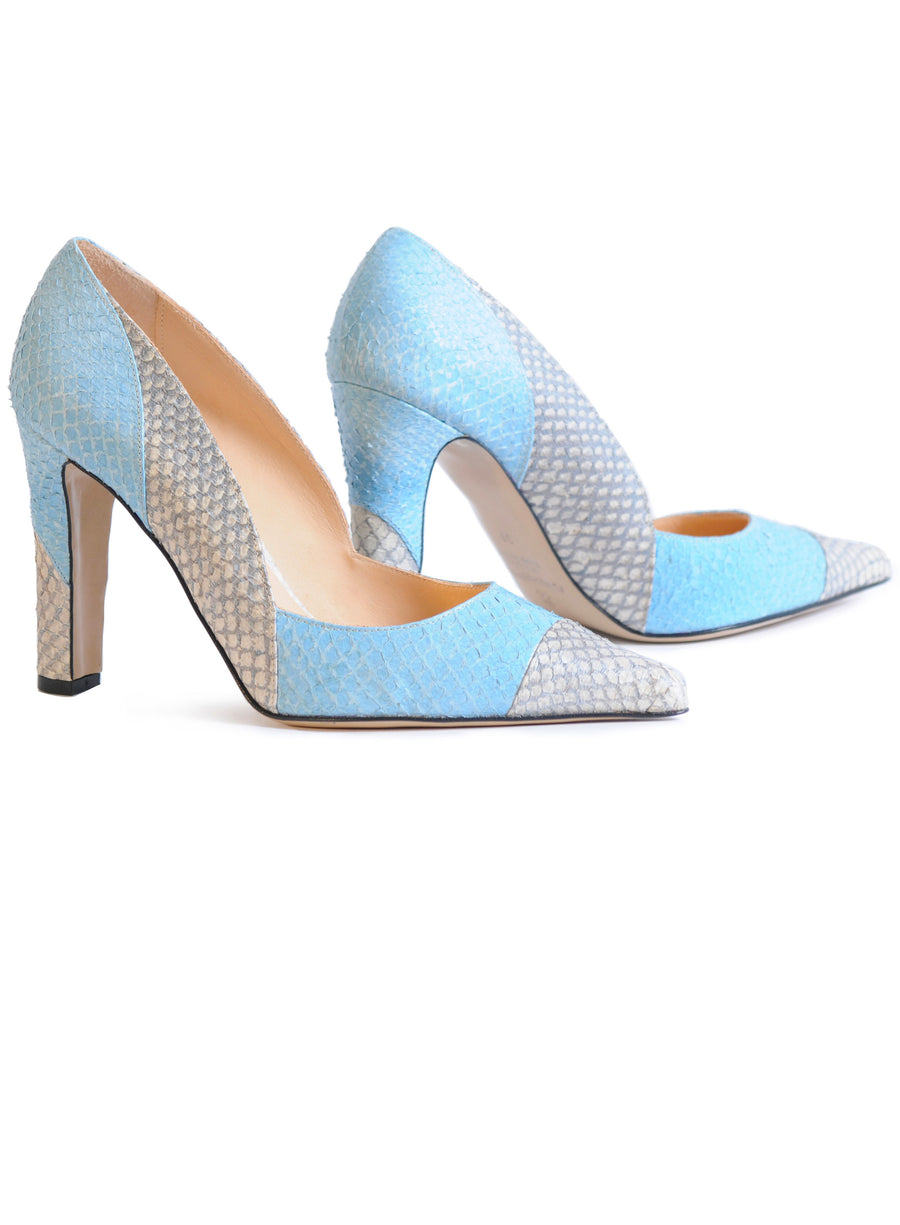 Blue and white coloured sustainable Pumps by ALINASCHUERFELD