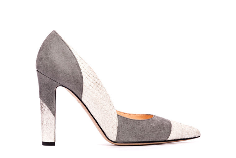 Sustainable, eco-friendly Pumps in Silk Grey / Nature Metallic. Made of chrome-free tanned salmon leather and vegetable tanned leather. Made in Italy. Designed in Hamburg.