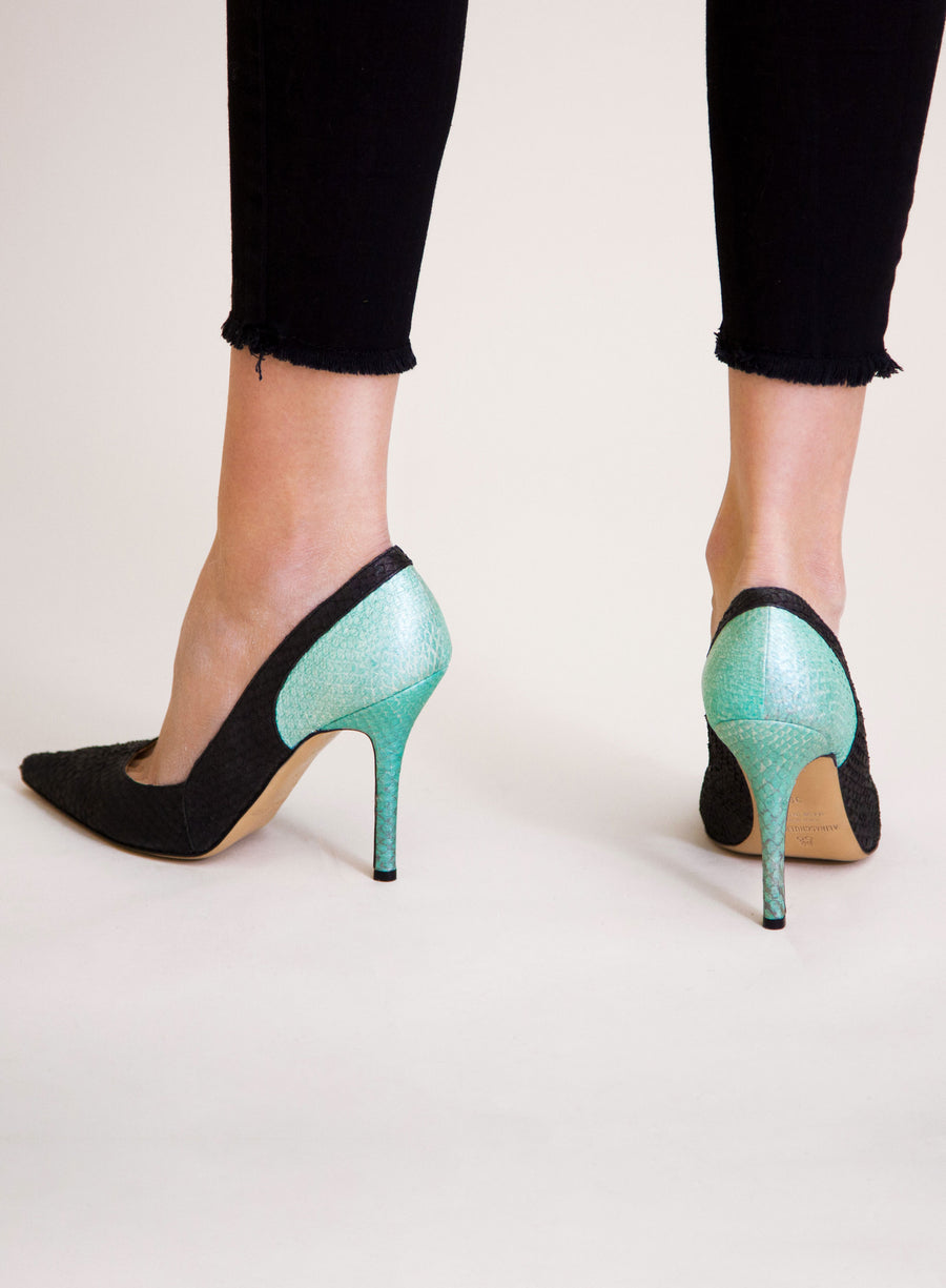 Black and mint coloured sustainable Pumps by ALINASCHUERFELD