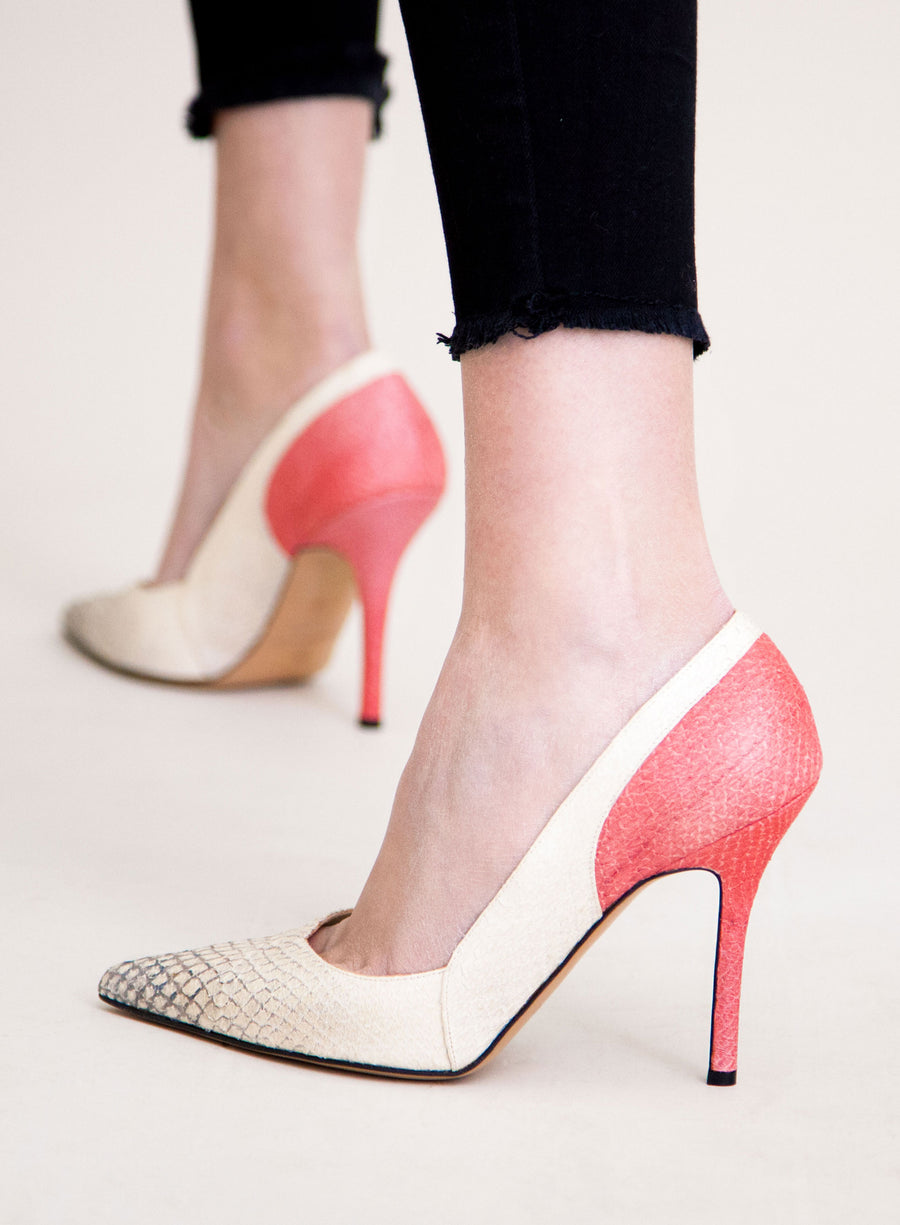 White and pink coloured sustainable Pumps by ALINASCHUERFELD