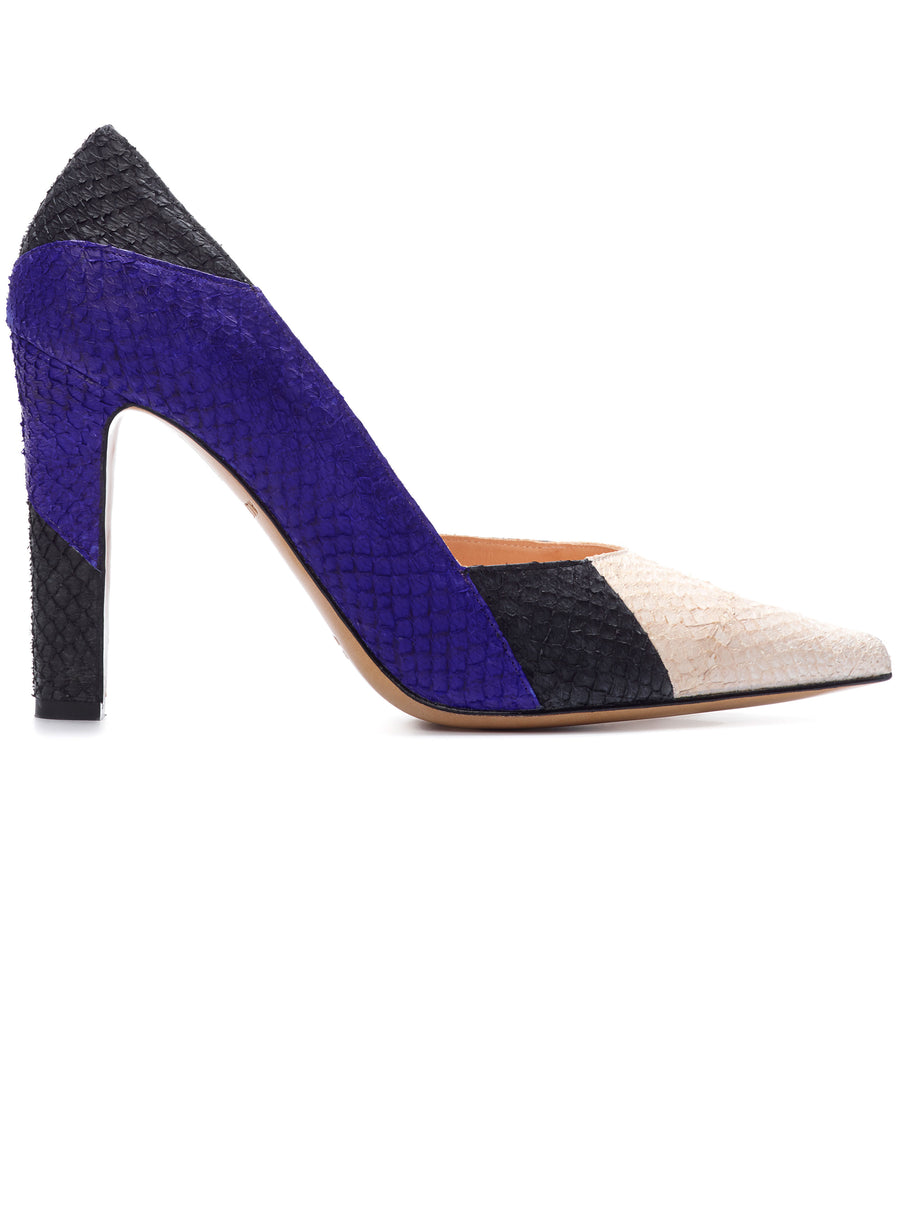 Black and blue coloured sustainable pumps by ALINASCHUERFELD