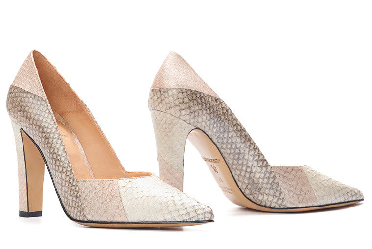 Sustainable, eco-friendly Pumps in Mimosa Metallic / Nature Metallic. Made of chrome-free tanned salmon leather. Made in Italy. Designed in Hamburg.