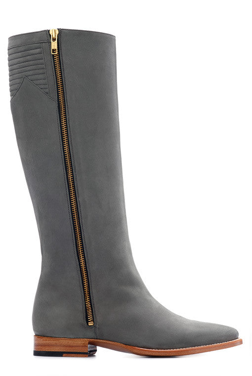 Sustainable, good-year welted and vegetable-tanned leather Boot in Grey, made in Spain.