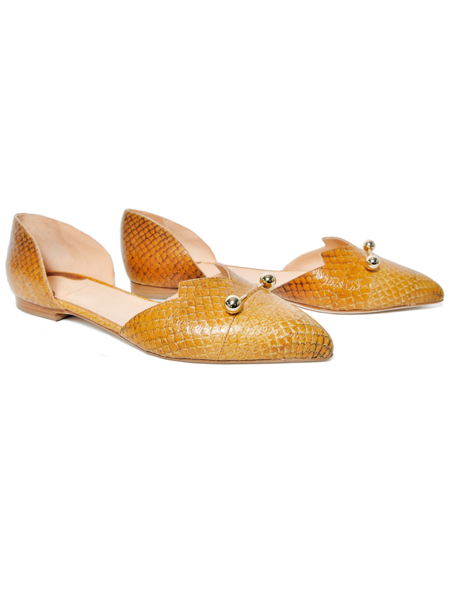 Cognac coloured sustainable LOULOU Loafer with golden piercings by ALINASCHUERFELD