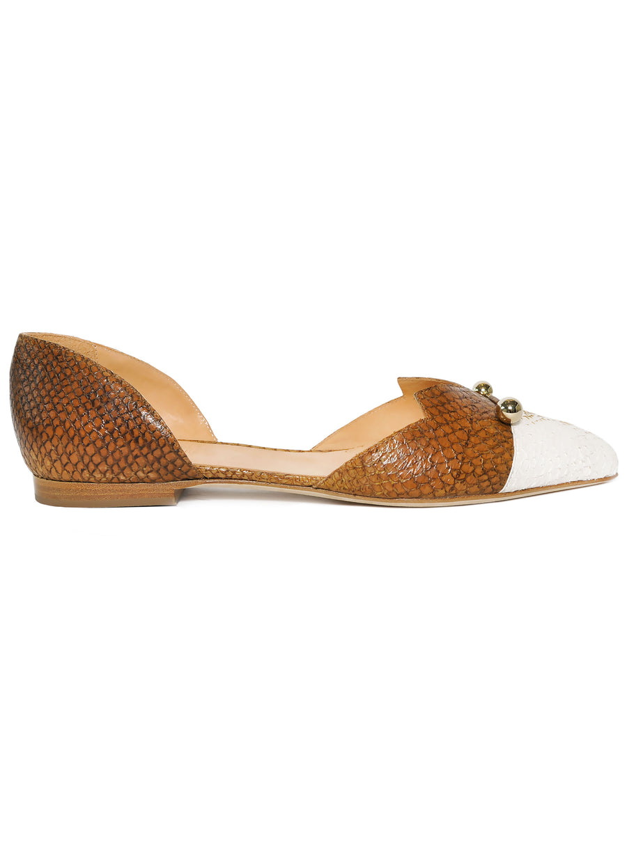 White and brown coloured, sustainable LOULOU Loafer with golden piercings