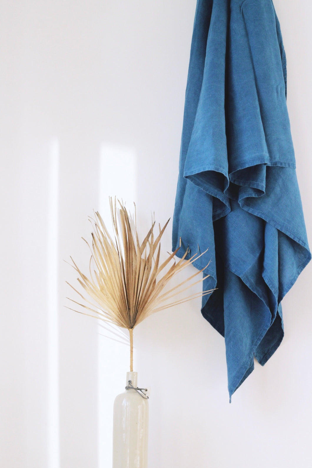 INDIGO BLOCK Linen Throw