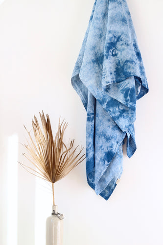 Shibori Indigo Throw - CRACKLE