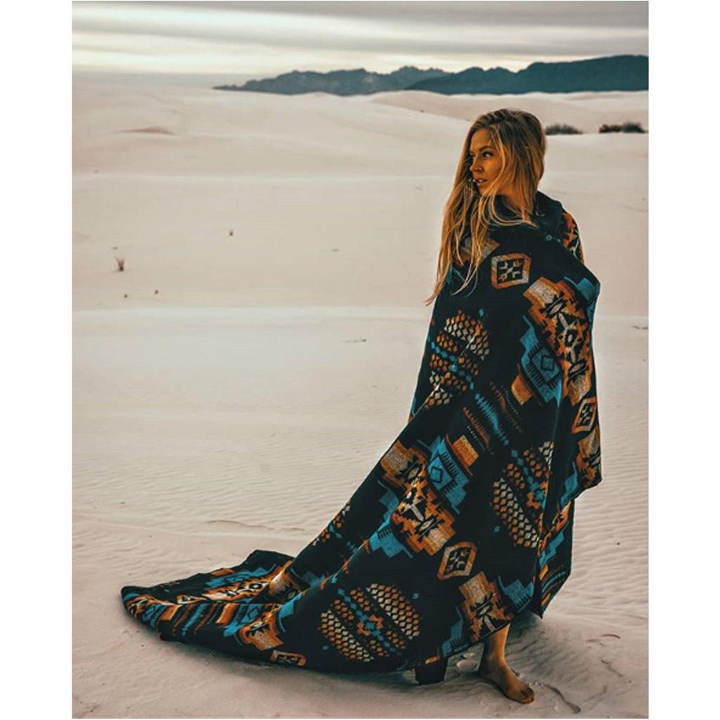 Andes Cliffside Blanket