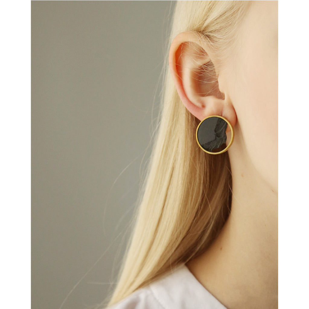 DSNU Gold Circle Frame Earrings