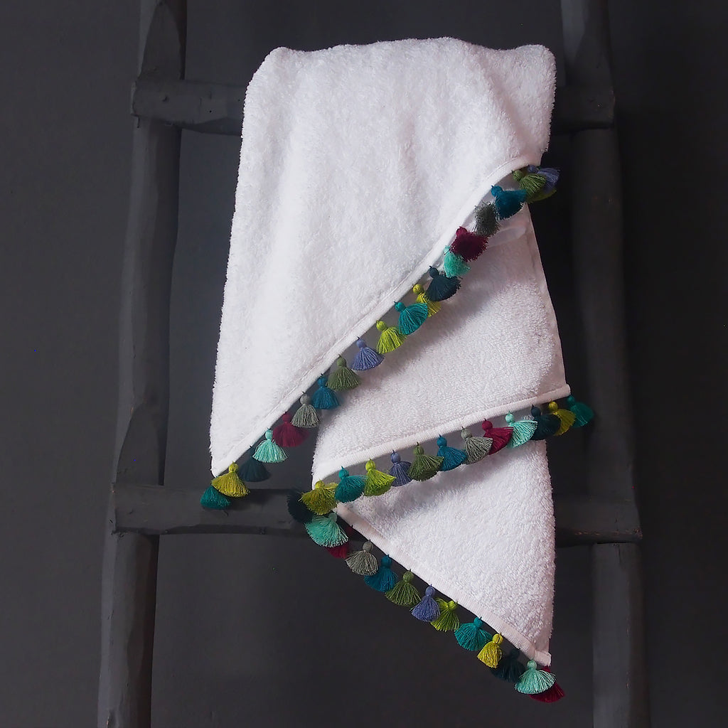 White & Casa Piedra Towels
