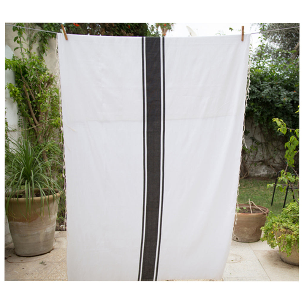 La Liste Tunisienne Black Tablecloth West