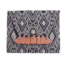 Load image into Gallery viewer, Diamond Fringe Clutch