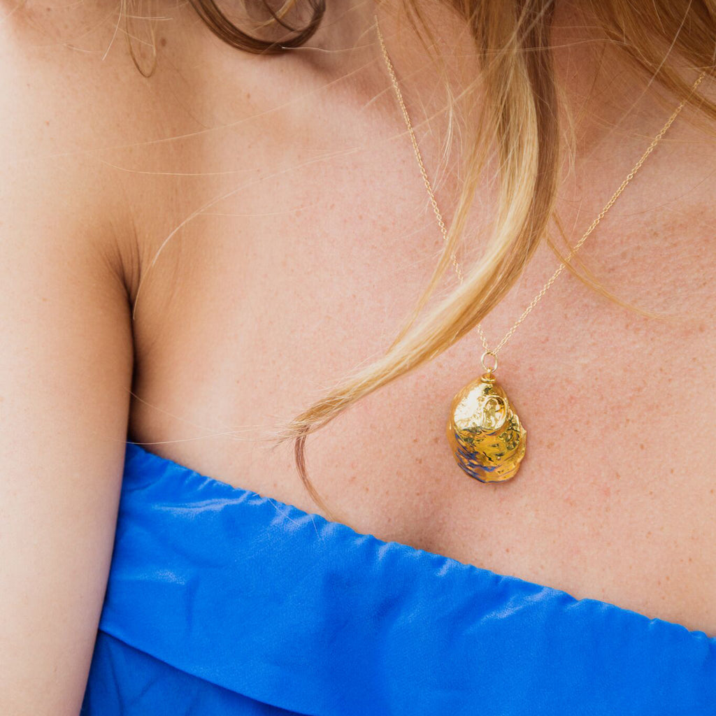 Baby oyster gold necklace