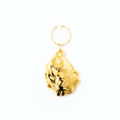 gold oyster keychain