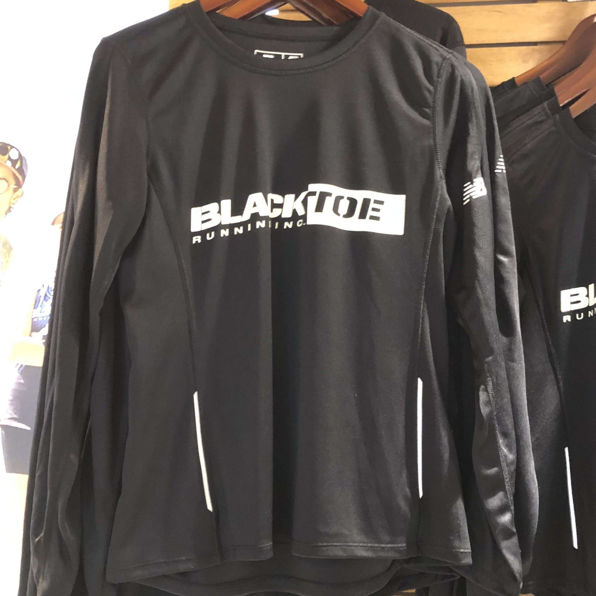 BlackToe Men's NB Long Sleeve Shirt - BlackToe Running Inc. - Toronto Running Specialty Store