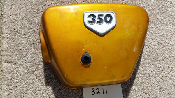 Honda CB350K2 1970 left gold sidecover with white badge 3211