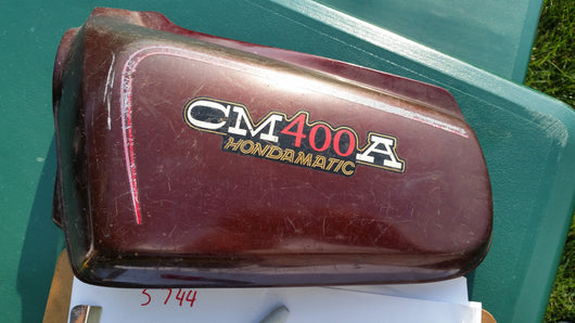 Honda CM400A sidecover left Candy Presto Red 83740-447A  my sku 5744