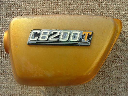 Honda CB200 T Left Sidecover Gold wih badge