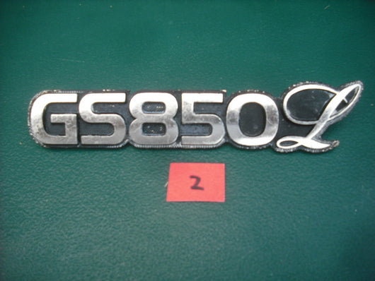 Suzuki GS850L Sidecover Badge 2 3991