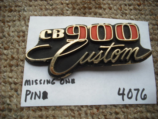 Honda CB900 Custom  Sidecover badge 4076