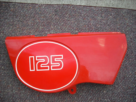 Suzuki DS125 Right Red Sidecover Fits DS100 TS100 TS125
