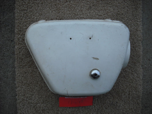 Honda CL350K0K1 white right sidecover no badge