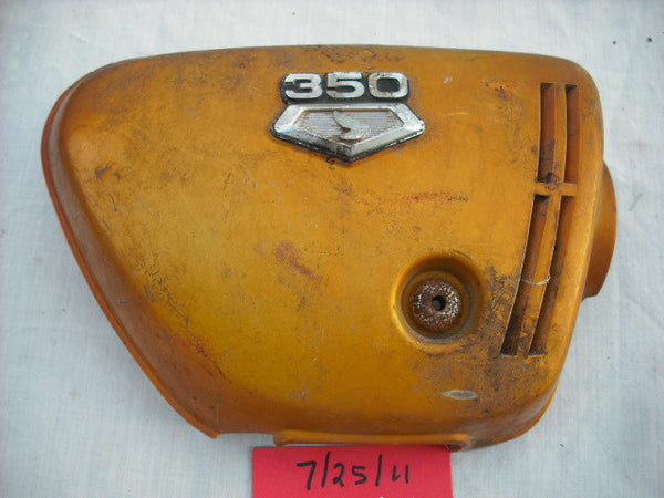 Honda CB350K3 Candy Gold Sidecover right with badge  1965