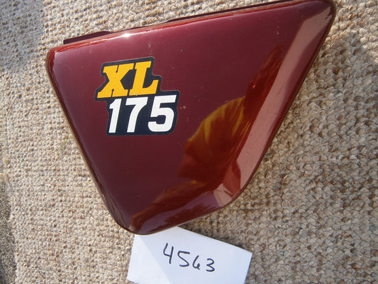 Honda XL175 left sidecover 4563