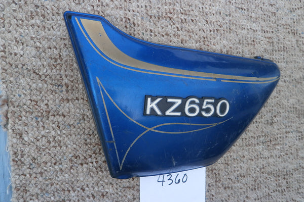 Kawasaki KZ650 Blue left sidecover with badge 4360