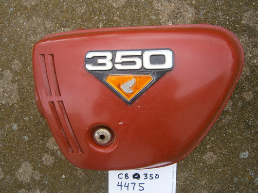 Honda CB350K4 left  Red sidecover with badge 4475