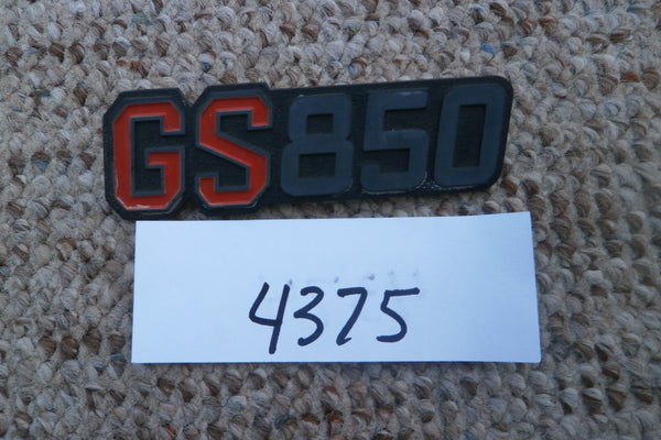 Suzuki GS850 Sidecover Badge sku 4375