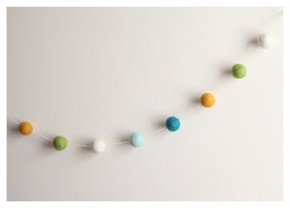Cheengoo Felted Wool Ball Garland
