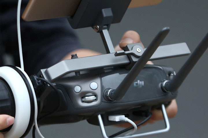 DJI Focus Handwheel Bracket in use