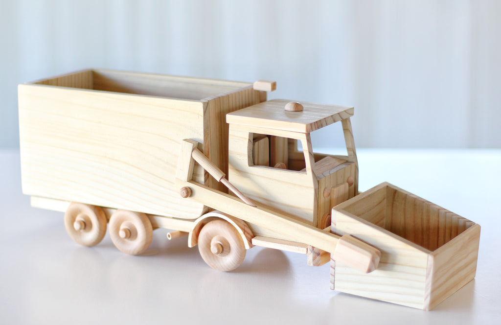 LUXE Collection Garbage Truck