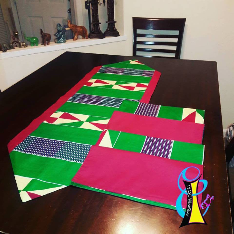 Decorative Table Centerpiece with 4 Coordinating Napkins