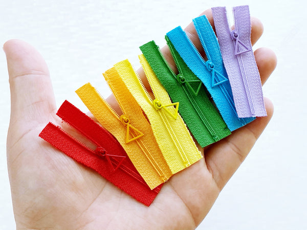 W006 Cute Triangle Puller 6CM  Mini Tiny Super Small Zipper Doll Sewing Craft Doll Clothes Making Sewing Supply
