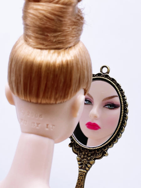 D002 Retro Vintage Style Mirror Doll Miniature Charm Dollhouse Display Blythe Barbie BJD Momoko Poppy Parker Fashion Royalty