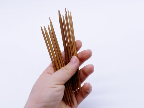 W017 Super Tiny Bamboo Knitting Needles 2mm 3mm 4mm 5mm Dolly Size 13cm Long Dol
