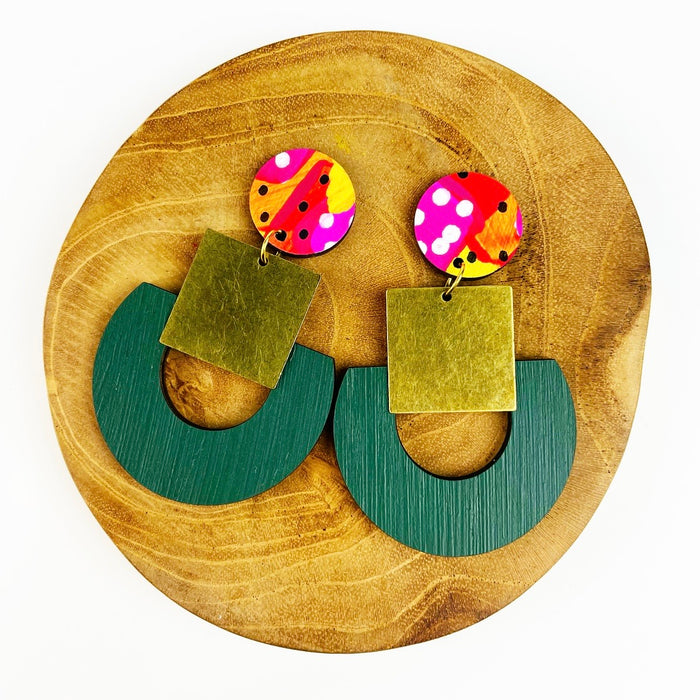 AIRLIE BEACH Calder Drop Earrings (Olive)