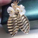Gold plate Oliver leaf pearl flower earring