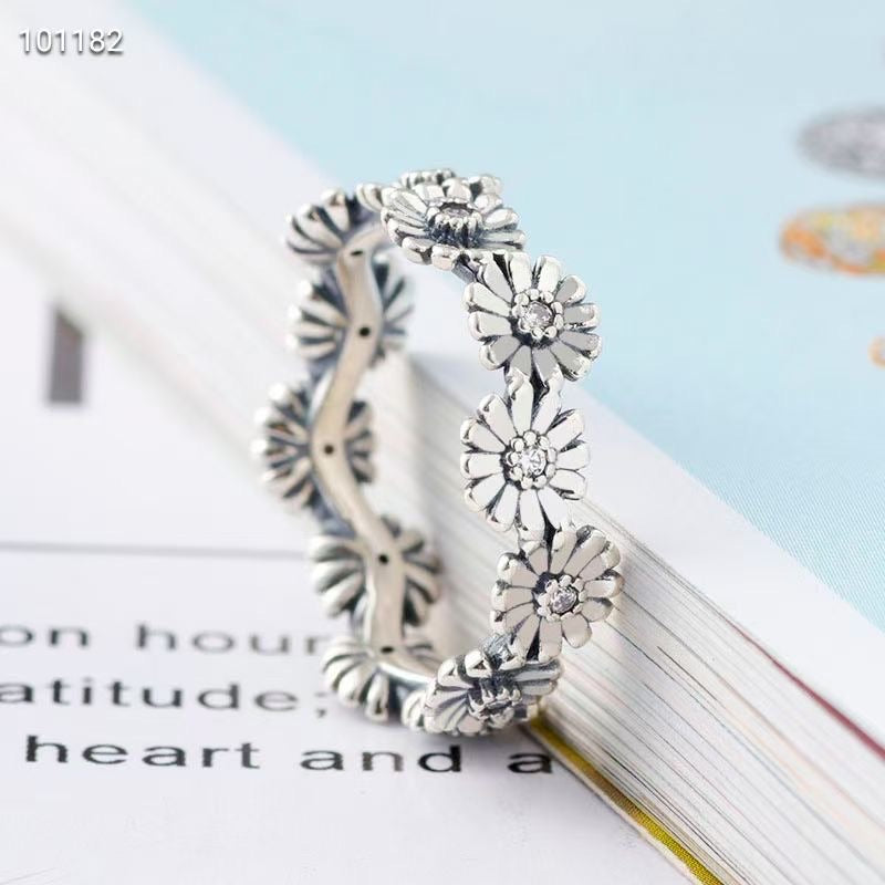Pandora daisy flower ring
