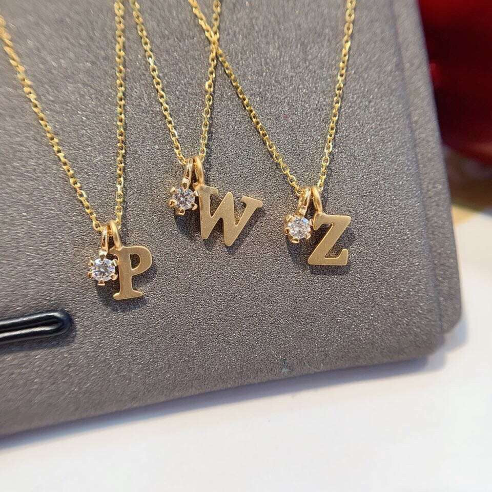 18k gold alphabet D diamond pendant necklace - Xingjewelry