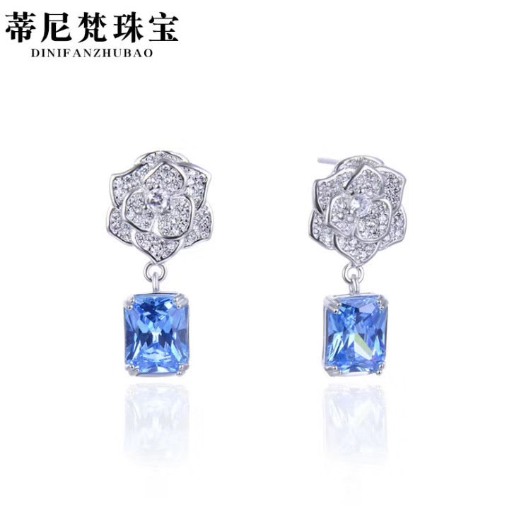Sterling silver crystal earring